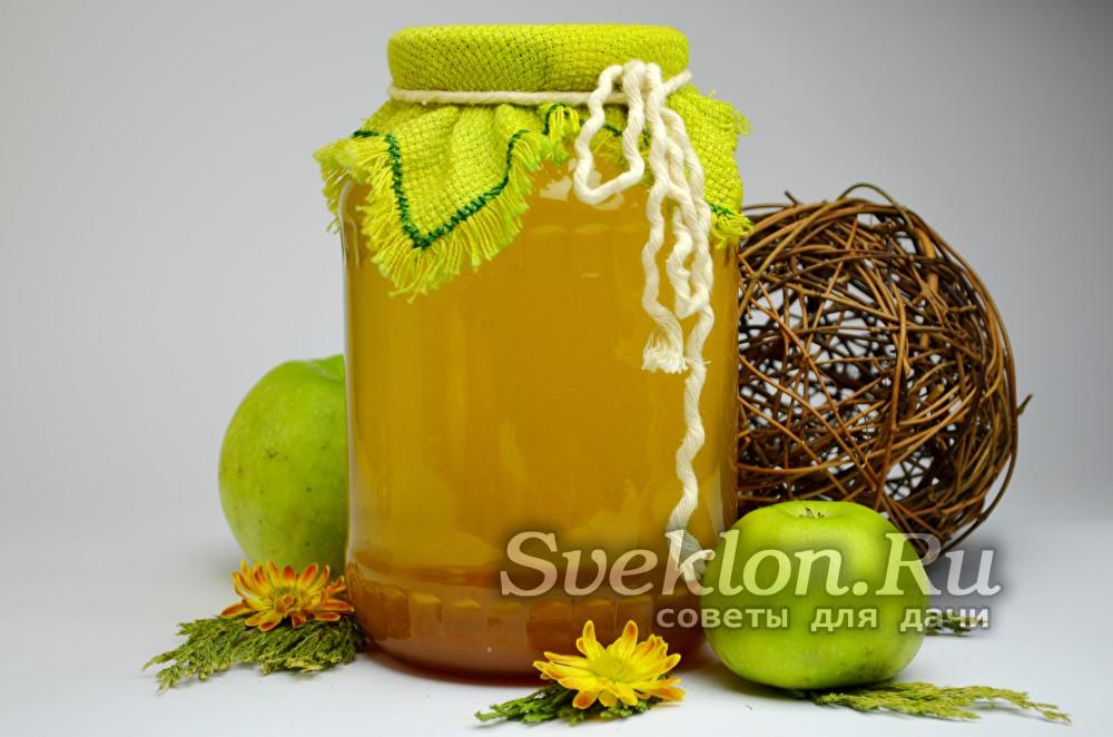 яблочный сок в банке