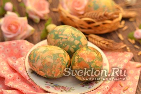крашенные яйца