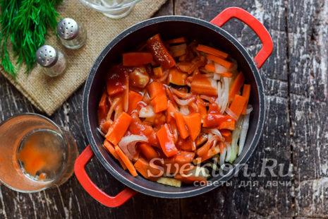 добавить томатный сок и растительное масло