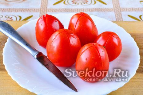 сделать на томатах надрезы