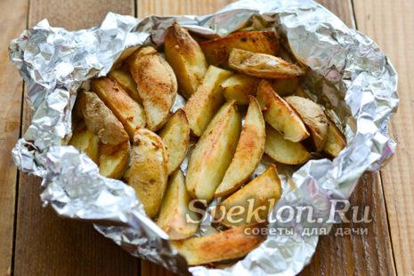 запекать картофель до корочки