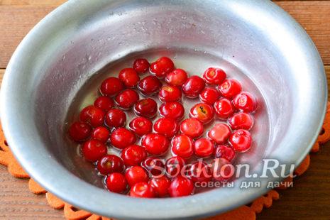 добавить ягоды