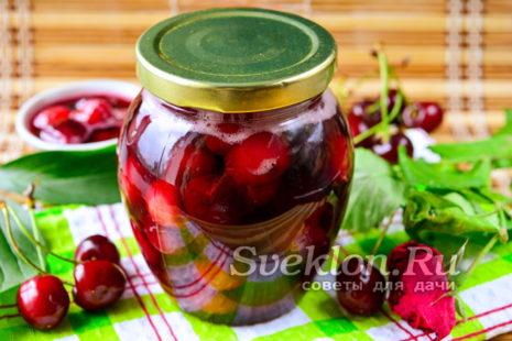 Варенье из вишни с косточкой на зиму - простой рецепт
