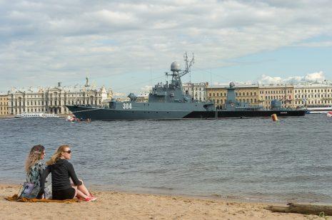 Военный корабль в Санкт-Питербурге