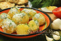 Картошечка с чесноком и укропом
