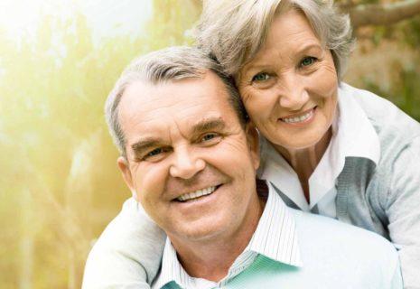 мужчина и женщина на пенсии