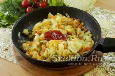 добавление томатной пасты