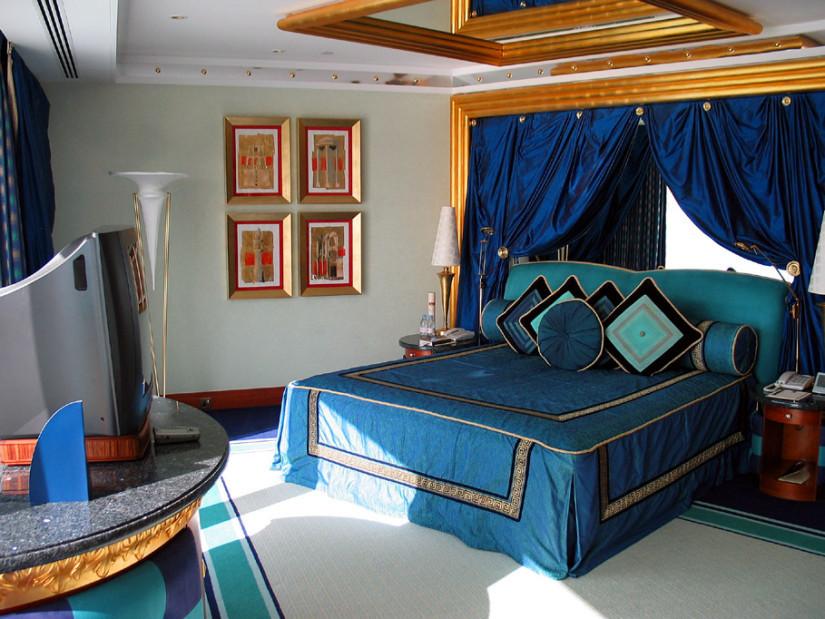 Восточная кровать