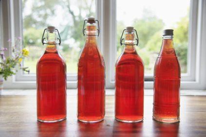 домашнее крепленное вино в бутылках