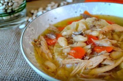 sup s kurecej i fasolu