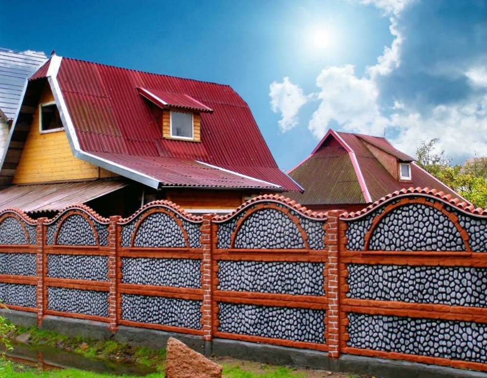 Бетонный забор на даче своими руками