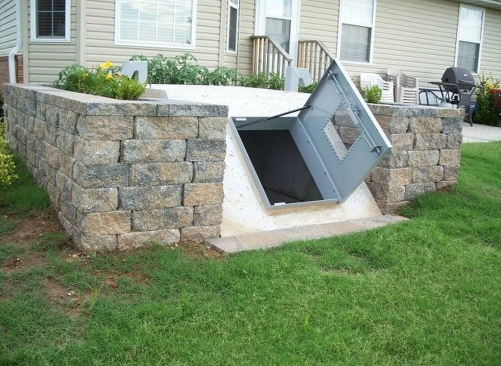 Фото с внешней стороны погреба